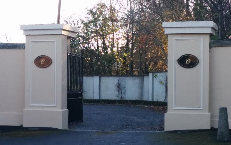 The gateway leading to Colliers Funeral Services